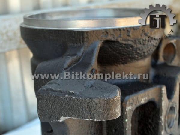 Башмак балансира в сборе со втулками (сталь). Арт.: 6303-2918020. Запчасти МАЗ от Бит комплект.